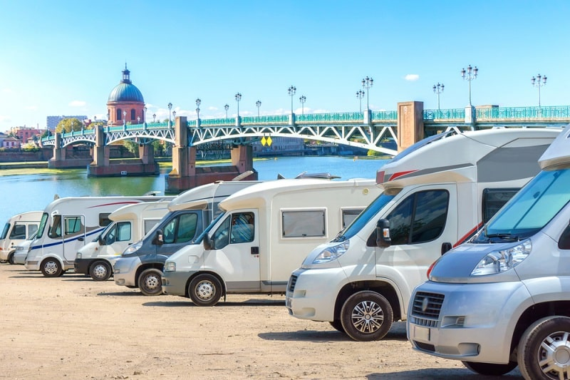 Here's a Guide to Choosing Which RV Type is Best for You