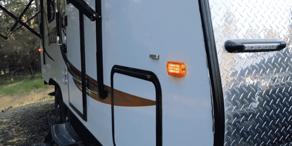 rv marker lights on while parked