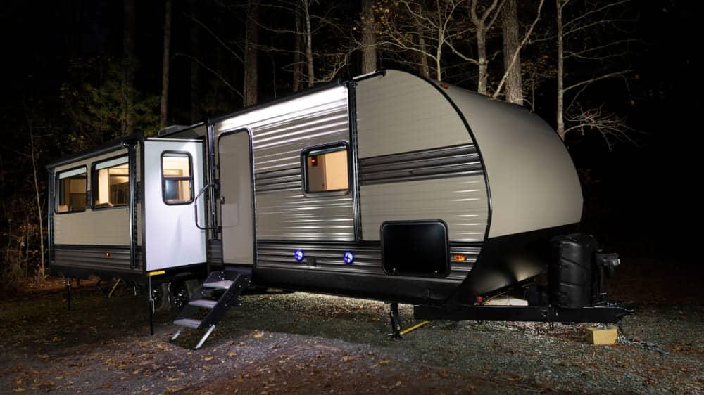 wood frame vs aluminum frame travel trailers