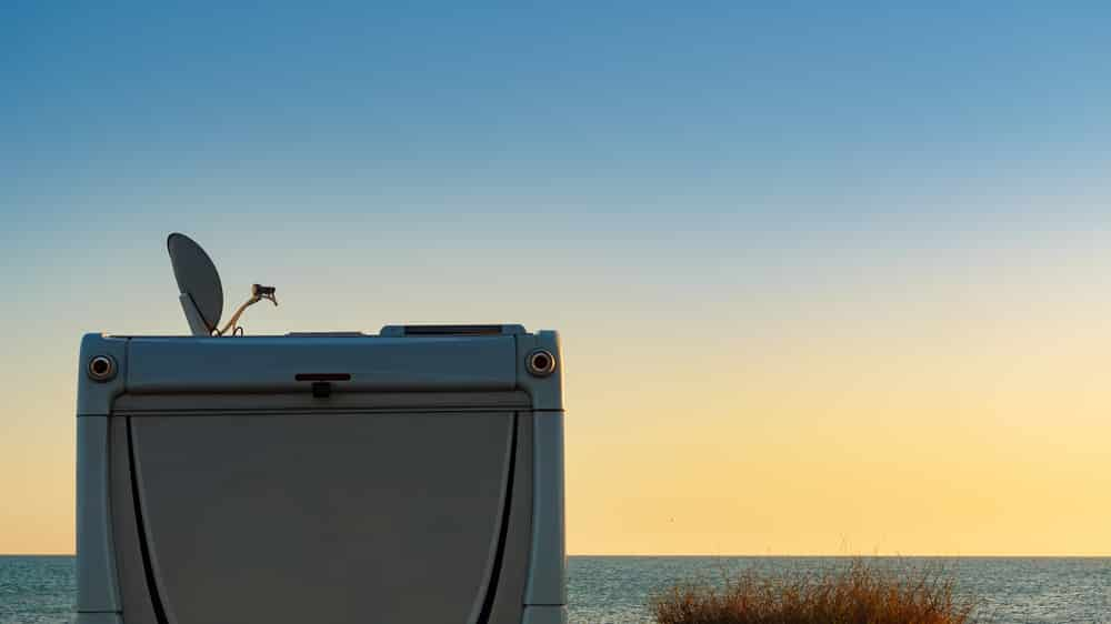 how to lubricate rv antenna